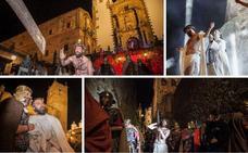 La Pasión Viviente cacereña se estrena con mucho público y una escenografía monumental