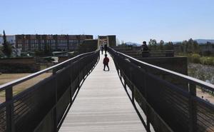La mejora del adarve de la Alcazaba hará más segura la visita al monumento
