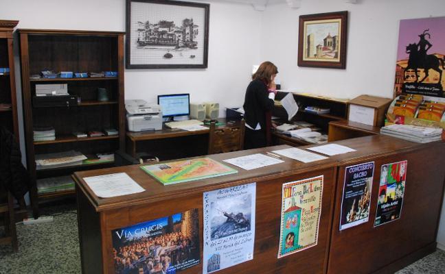 La Oficina de Turismo tiene una nueva ubicación, ante las goteras de sus anteriores instalaciones