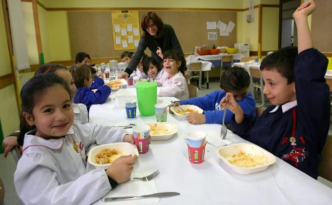 Educación abre expediente a una de las empresas que lleva los comedores escolares