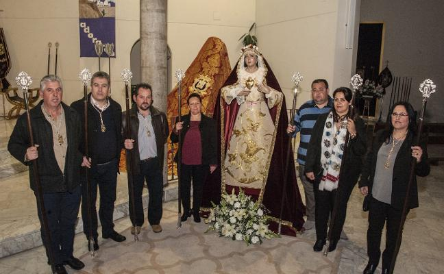 La nueva procesión del Dulce Nombre de María recorre hoy el Cerro de Reyes