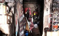 Un hombre resulta intoxicado por humo en el incendio de una vivienda en Valdecañas