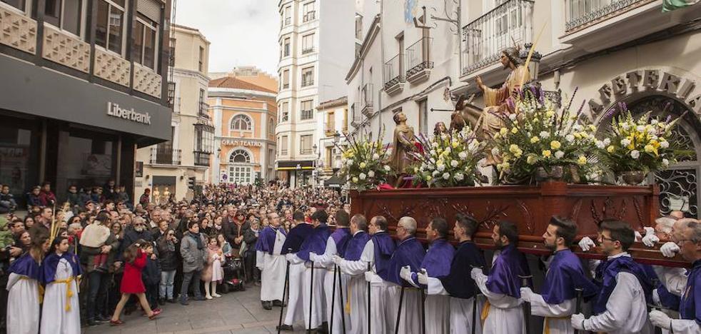 Multitudinario Domingo de Ramos en Cáceres