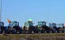 Los agricultores de las Vegas Altas sacan sus tractores para demandar unos precios justos