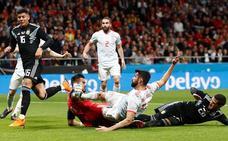 La roja golea en el campo y en el 'share'