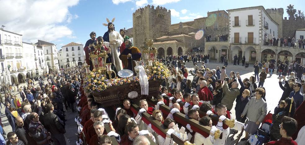 La Sagrada Cena abre hoy en Cáceres una intensa jornada con seis procesiones