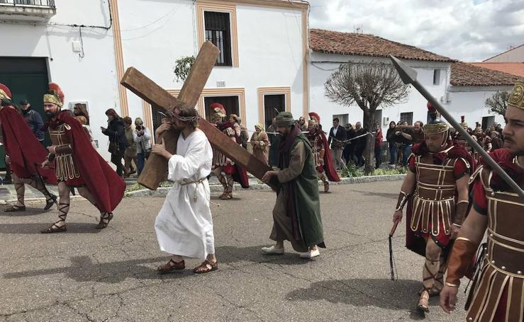 Pasión Viviente de Oliva de la Frontera