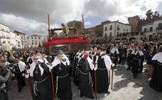Los Estudiantes celebran en Cáceres su 60 aniversario con un recorrido especial
