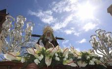 El recogimiento del Vía Crucis en Mérida da paso a la alegría y júbilo de Jesús Resucitado