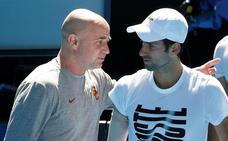 Agassi rompe con Djokovic