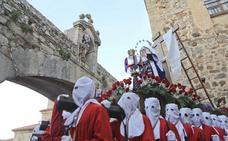 Emoción y mucho público en el único desfile del Sábado Santo en Cáceres