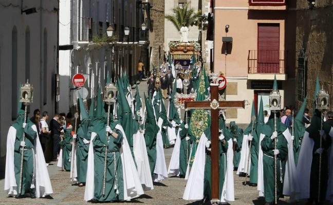 La Semana Santa placentina finaliza hoy con la procesión del encuentro en la Plaza Mayor