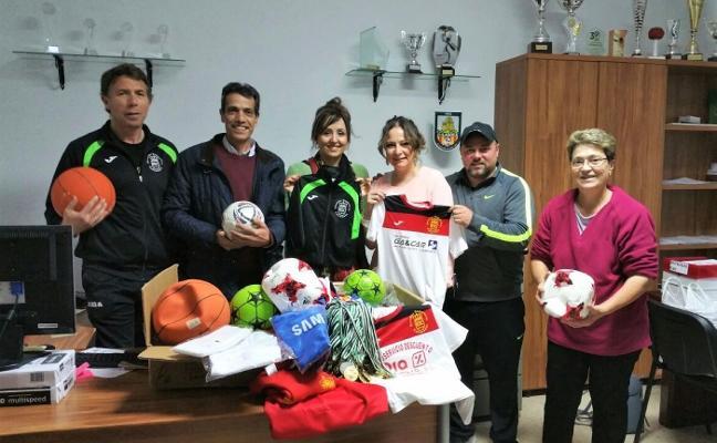 La Escuela Deportiva de Calamonte recoge ropa y material deportivo para el pueblo saharaui