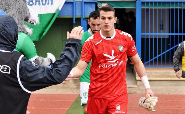 El guardameta Leandro firma su renovación por el Villanovense