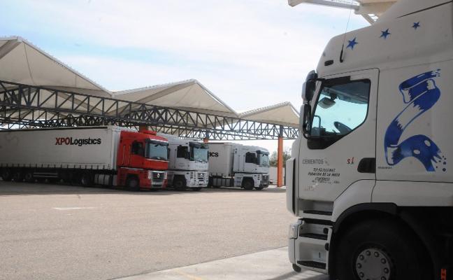 Más de 400 reclamaciones en la región contra el 'cártel de los camiones' por pactar precios