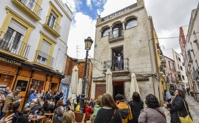 El Casco Antiguo de Badajoz celebra sus primeras fiestas sin vaquillas en 35 años