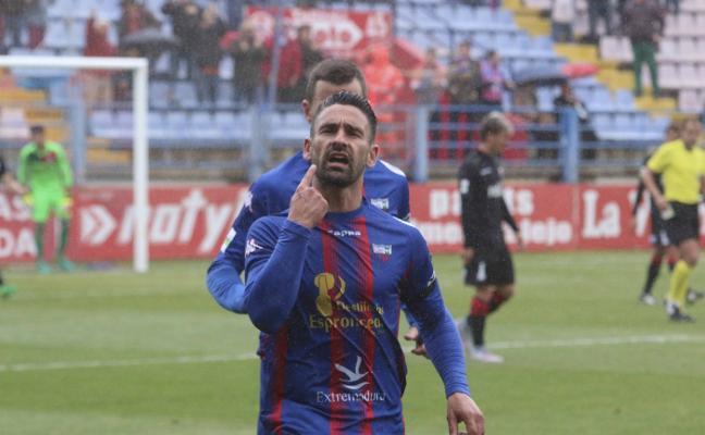 Extremadura y UCAM se citan en la lucha por una plaza de playoff