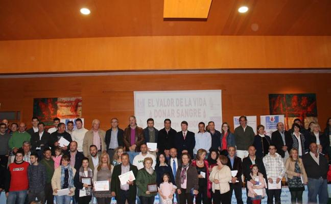 Distinguidos 297 donantes de Almendralejo
