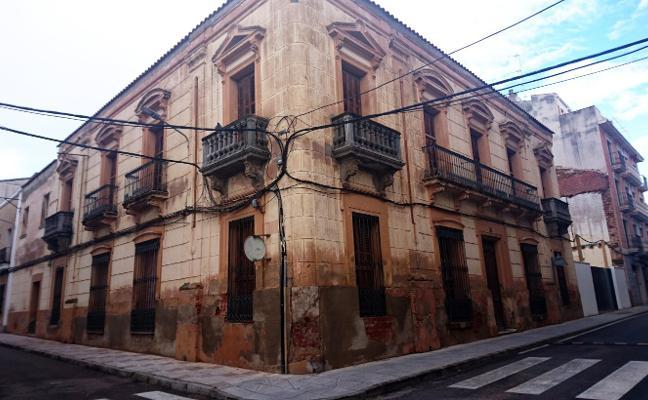 El Ayuntamiento de Don Benito interviene en una vivienda en estado de ruina