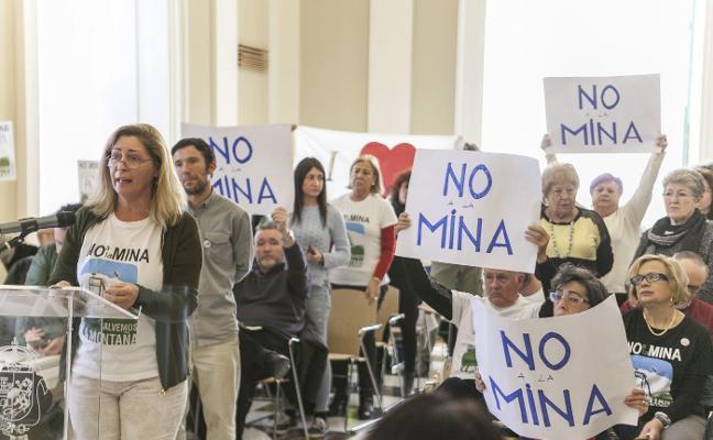 Los técnicos municipales rechazan modificar el Plan de Urbanismo para permitir la mina de litio