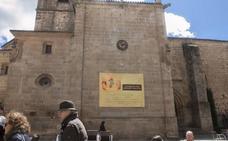 El Ayuntamiento de Cáceres instará a San Juan a que retire la pancarta de su fachada