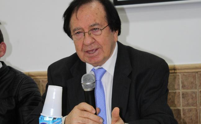 El escritor jaraiceño José V. Serradilla presenta 'El milagro de San Martín', su nueva novela
