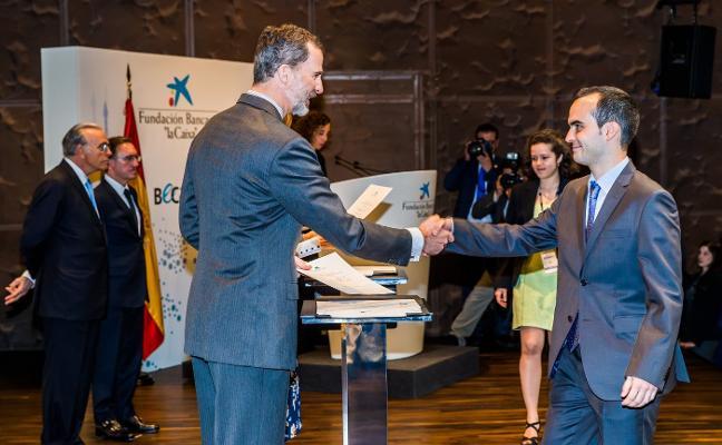 Un estudiante de Mérida recibe una beca 'La Caixa'