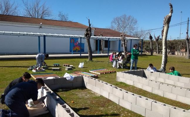 El San Isidro Labrador de Rosalejo pone en marcha un huerto escolar