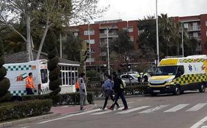 Un hombre de 28 años resulta herido tras la colisión de dos vehículos en Don Benito