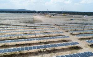 Gas Natural construirá dos fotovoltaicas en Extremadura que sumarán 70 megavatios
