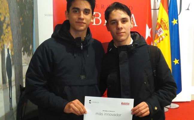 Premio para alumnos de Trujillo por su app para la recarga inalámbrica de móviles