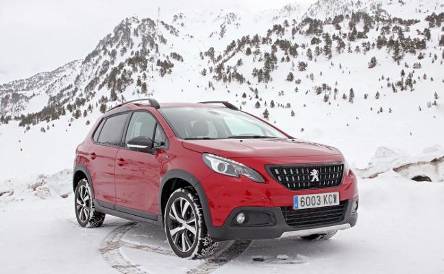 Los SUV de Peugeot superan el barro, la nieve y el hielo en los Pirineos
