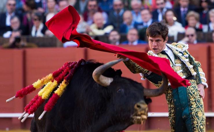 'El Juli' indulta un toro en la Feria de Sevilla