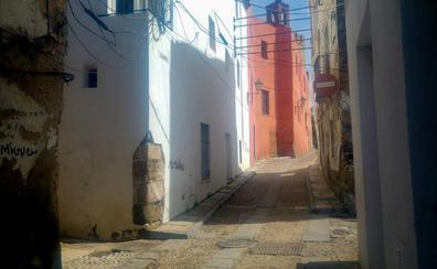 Ocupada una segunda vivienda de la Junta al lado de las Casas Coloradas en Badajoz