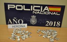 Detenida en Villanueva tras intentar deshacerse de 58 dosis de heroína