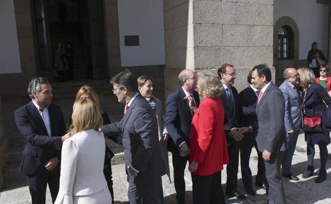La Corporación municipal de Cáceres con el Ministro de Justicia