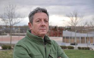 Alonso Guerrero presenta su libro en el Aula Hoy de Badajoz