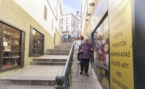 Cocemfe dice que la escalera de Alzapiernas no mejorará la accesibilidad de la calle
