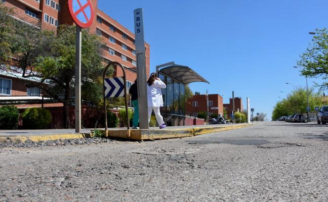 El asfaltado de calles en Badajoz se extenderá a una decena de barrios hasta el mes de julio
