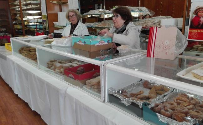 Último día de dulces del Roperito en Almendralejo