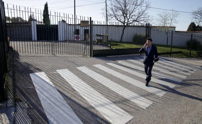 Nevado pide explicaciones del cierre del cementerio de Cáceres dos días en navidades