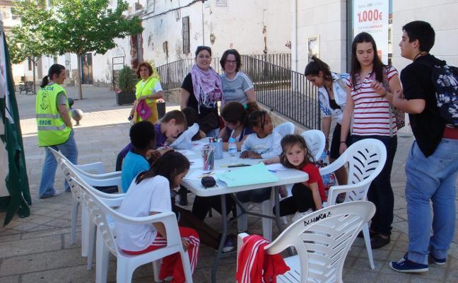 La biblioteca recorrerá parques y otros enclaves de Almaraz