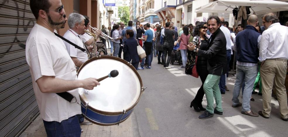 El centro y la Plaza de la Concepción preparan las fiestas de San Fernando