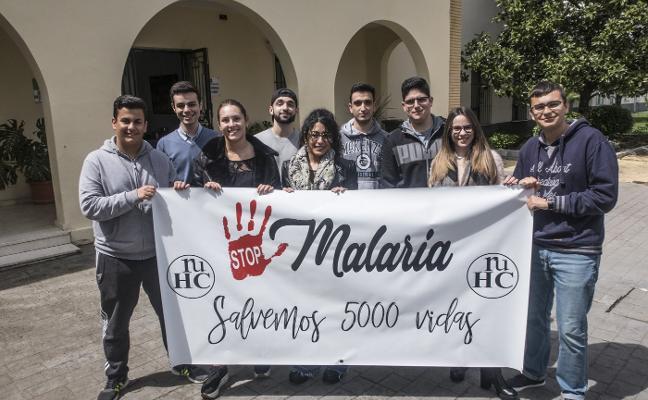 Los jóvenes de la Hernán Cortés quieren salvar a 5.000 niños de la malaria