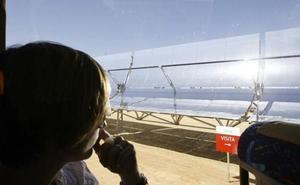 Autorizan la venta de las tres termosolares de Acciona en Extremadura