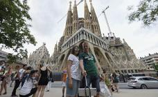 Los turistas españoles bajan casi un 12% en Barcelona en marzo