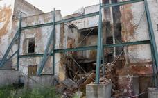 El Ayuntamiento de Badajoz demolerá parte de la calle Norte tras un nuevo derrumbe