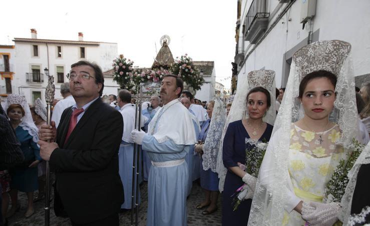 La Virgen de la Montaña baja de su Santuario