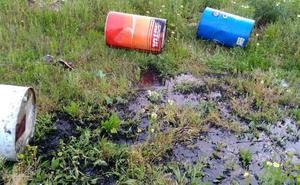 Denuncian a tres personas por verter 700 litros de aceite en las traseras del José Pache