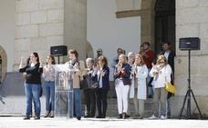 Minuto de silencio en Cáceres para rechazar la violencia de género